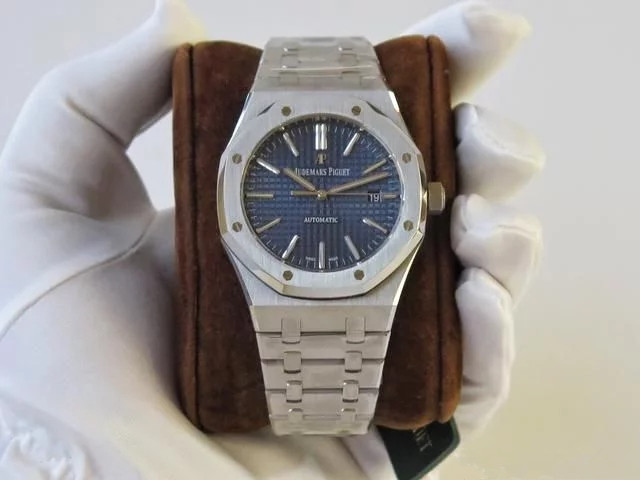 The quality of Audemars Piguet Royal-Oak fake watches online is reliable.