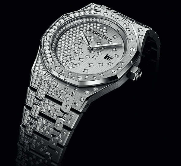 Audemars Piguet Royal-Oak copy watches for ladies are always extraordinary.
