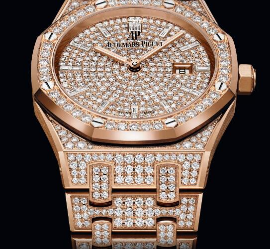 The diamonds model will make your mother very noble and elegant.