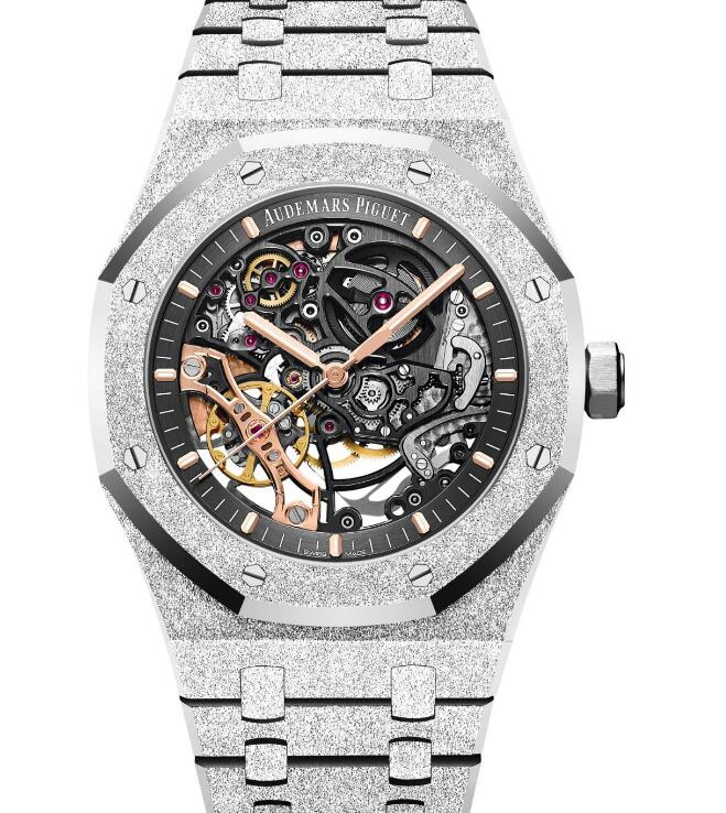 This timepiece is suitable for women who are interested in high technology.